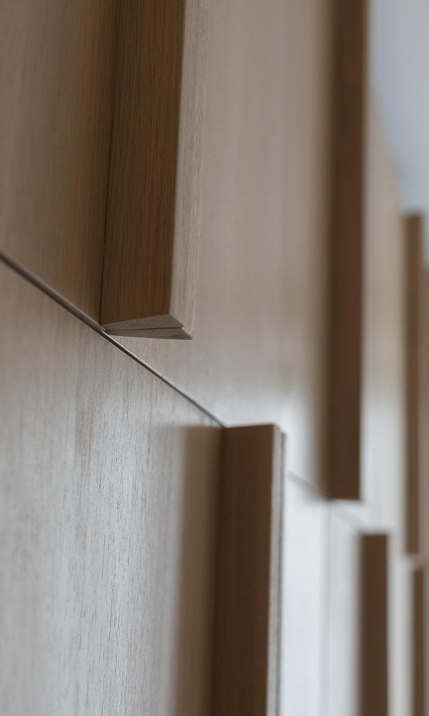 detail masívnych dubových madiel
